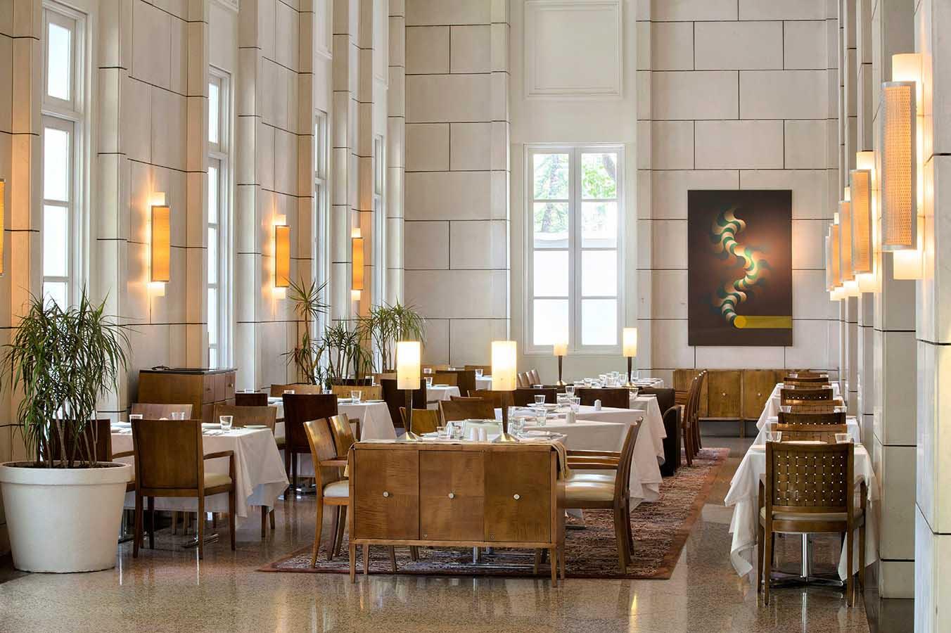 Mendoza hotel casino the treasure island casino